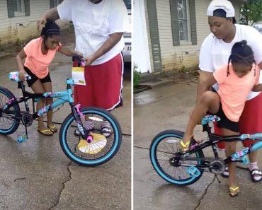 Criança Recebe Como Presente a Bicicleta Com a Mais Curta Duração De Sempre 7