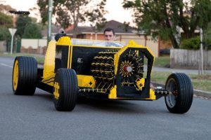Impressionante, Automóvel Feito Com LEGO Em Tamanho Real Movido a Ar 10