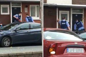 "Polícia Faz ""Figura Ridícula"" a Tentar Arrombar Porta Sólida 9"