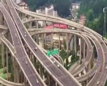 A Complexa Estrada Chinesa Que Parece Uma Montanha Russa Para Carros 9