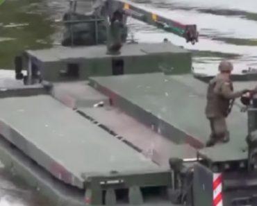 Como Se Constrói Uma Ponte Flutuante Ao Estilo Militar 4