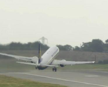 """Avião Da Ryanair """"Dança"""" Durante Descolagem Com Ventos De 160 Km/hora 2"""