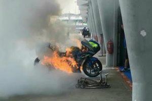 Moto De Álex Rins incendeia-se Espontâneamente Durante Preparativos Para o MotoGP Da Malásia 8