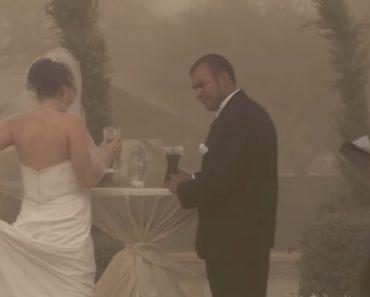 Nem Uma Tempestade De Areia Impediu o Casamento 4