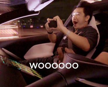 As Hilariantes Reações Ao Arranque De Um Tesla Roadster 2