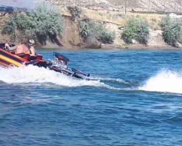 Homem Ajuda a Extinguir Incêndio Com o Próprio Barco Até à Chegada Dos Bombeiros 6