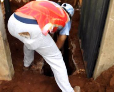 Homens Escavam Durante Horas Para Salvar Cachorrinho Preso Em Esgoto 1