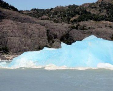 Filmagem Mostra Raro Momento Em Que Iceberg Se Volta De Cabeça Para Baixa 6