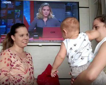 Bebé Fica Confuso Quando Vê a Irmã Gémea Da Mãe Pela Primeira Vez 1