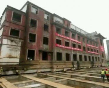 Veja Como Um Histórico Hotel Com 5 Mil Toneladas Se Mantém Intacto Ao Ser Mudado De Sítio Em Poucas Horas 9