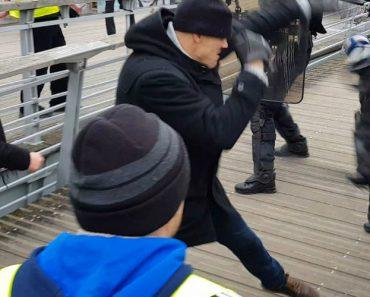 Pugilista Enfrenta Polícia Francesa Durante Manifestação Dos Coletes Amarelos 3