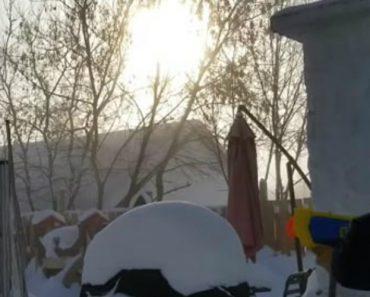 Habitante Do Canadá Mostra o Efeito Que o Extremo Frio Provoca Quando Usa Pistola De Água a Ferver 9
