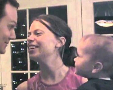 Veja o Que Faz Este Bebé Sempre Que a Mãe e o Pai Se Beijam 6