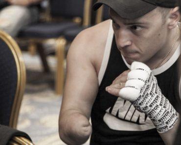 Conheça o Único Lutador De Boxe Profissional Com Apenas Uma Mão 7