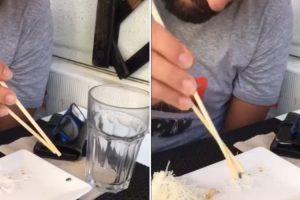 Jovem Português Apanha Mosca Com Os Pauzinhos Do Sushi e Deixa Amigos De Olhos Em Bico 9