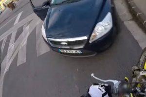 Motociclista Tenta Fugir à Policia, Mas Não Estava à Espera Deste Final 7