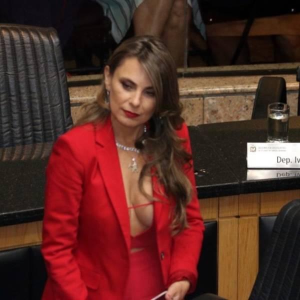 A Deputada Federal Brasileira Que Causou Burburinho Na Tomada De Posse Na Assembleia 1