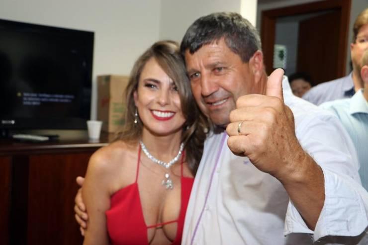 A Deputada Federal Brasileira Que Causou Burburinho Na Tomada De Posse Na Assembleia 4