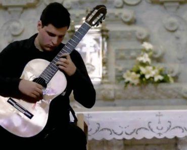 Jovem Português De 17 Anos é Um Mestre Com Uma Guitarra Na Mão 7