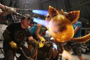 Extraordinária Equipa De Artistas Cria Enorme Tartaruga De Vidro 10
