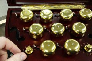 Uma Fantástica Caixa De Música Feita à Mão Capaz De Tocar Várias Músicas 9