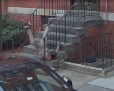Carro De Google Maps Capta Momento Exato Em Que Homem Dá Memorável Queda à Porta De Casa 4