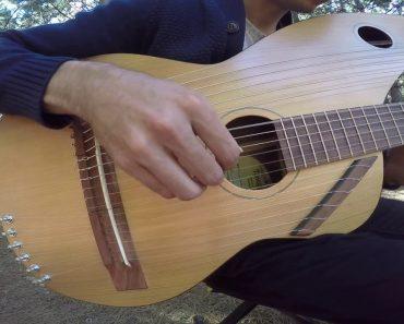 """Jovem Toca """"Sound of Silence"""" Numa Guitarra De 18 Cordas, e o Resultado é Maravilhoso 7"""