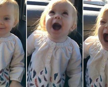 """O Mundo Ficou Encantado Ao Ver Esta Menina De 2 Anos Ao """"Imitar"""" Adele Com a Música """"Hello"""" 3"""