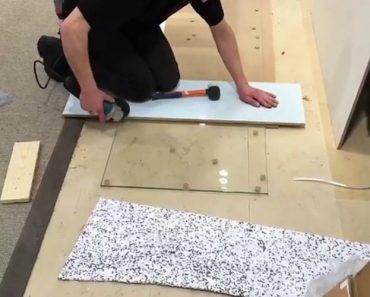 Aprendiz Mostra a Sua Técnica Infalível Para Cortar Painel De Vidro 8