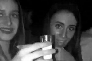 Jovem Bebe Do Copo Errado Ao Confundir Shot De Tequila Com o Copo De Sal 17