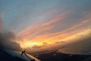 Tudo é Mais Interessante Quando Se Viaja Na Cabine De Um Avião 14