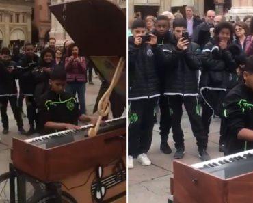 Jovem Jogador Do Sporting Sentou-se Ao Piano e... Arrasou Ao Som De Queen 5