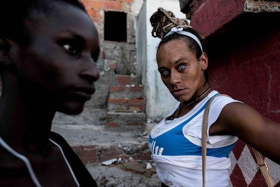 Fotógrafo Capta Imagens Da Vida Que Resta No Bairro Clandestino 6 De Maio Na Amadora 21