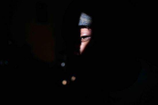 Fotógrafo Capta Imagens Da Vida Que Resta No Bairro Clandestino 6 De Maio Na Amadora 5