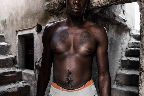Fotógrafo Capta Imagens Da Vida Que Resta No Bairro Clandestino 6 De Maio Na Amadora 10