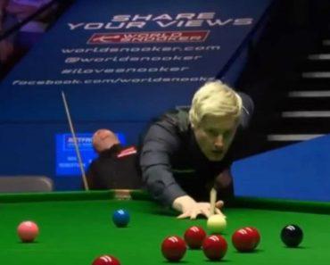 """Jogador De Snooker Parece """"Adormecer"""" Em Pleno Jogo Do Mundial 4"""