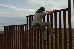 Mostrando Como Se Atravessa a Fronteira Entre Os Estados Unidos e o México 14